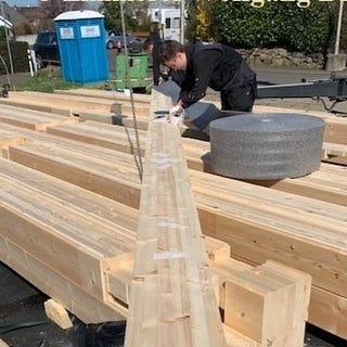Blockhausbau - Holzhaus - Blockhaus bauen - Hauskauf - Hausbau -  Sortierung und Vorbereitung der 275 mm dicken Blockbalken für die Montage - Senftenberg - Oranienburg - Bernau - Potsdam - Spreewald - Holzhäuser -  Berlin Brandenburg - Zimmerei - Cottbus