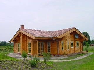 Blockhaus bauen - Wohlfühlhaus - Ebenerdiges Holzhaus - Bayern - Massivholzhaus - Aschaffenburg