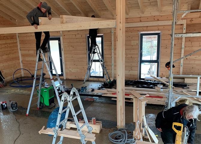 Blockhaus mit Komplettmontage - Zimmerei Holzbau Brandt aus Niedersachsen - Wetterbeständiges Polarholz - Polarkiefer - Massivholz - Leimholz - Lamellenbalken