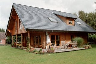 Holzhaus - Wohnblockhaus - ein Blockhaus bauen und ein einmaliges Wohnklima erhalten - Bilder - Bildergalerie - Architektenhäuser - Niedersachsen