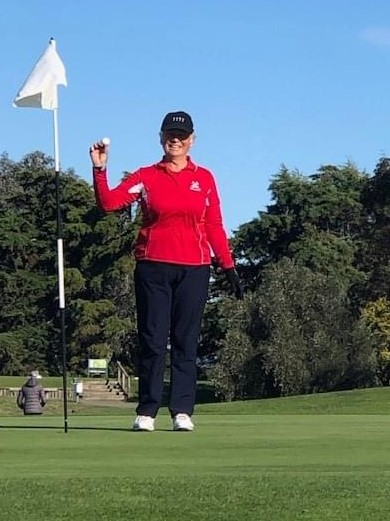 Congratulations to Jane Gordon, our Ladies Vice-Captain on her first Hole-in-one on the 14th. The smile says it all! (1/7/20)