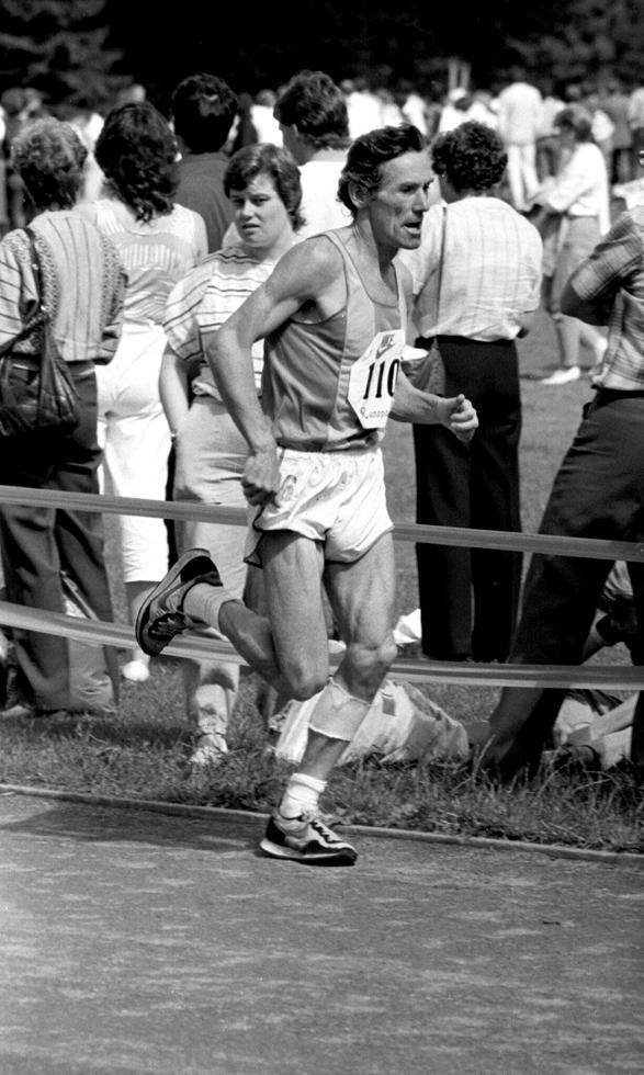 Lachie Stewart at the Stirling Half Marathon 1985