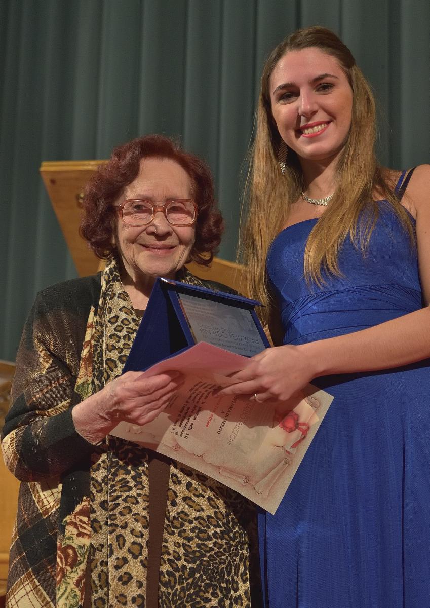 """Premio """"Grazia Cavanna"""" a Leonora Tess, soprano"""
