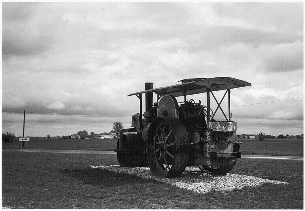 Pro Loco Sissa - Antico rullo compressore (Foto di Guido Zoni)