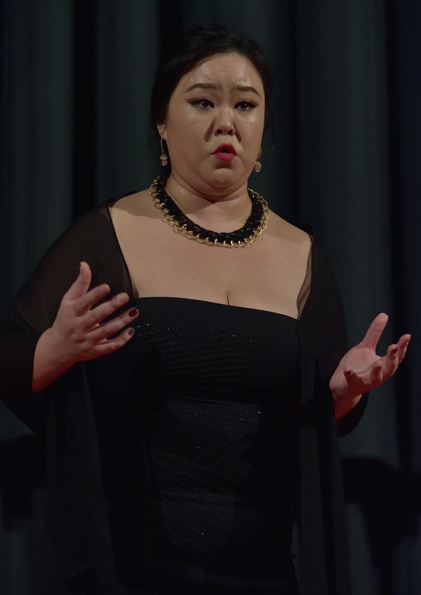 Hyeonjeong Kim, mezzosoprano Stride la vampa (Verdi – Il Trovatore)