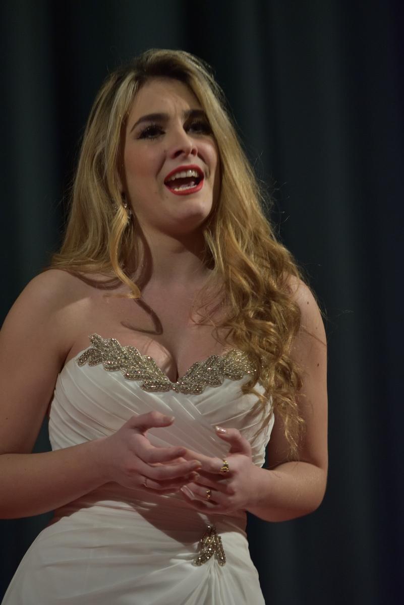 Sofia Esparza Jauregui,  soprano Non si da follia maggiore (Rossini – Il Turco in Italia)