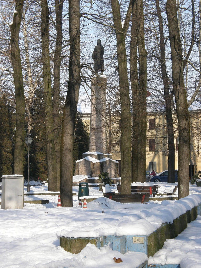 Pro Loco Sissa - Monumento Ai caduti (foto F.Sassi)