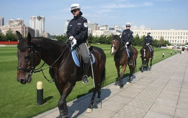 中国 大連名物 女性騎馬隊