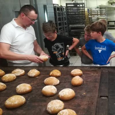 Schulprojektwoche bei der Bäckerei Spangemacher