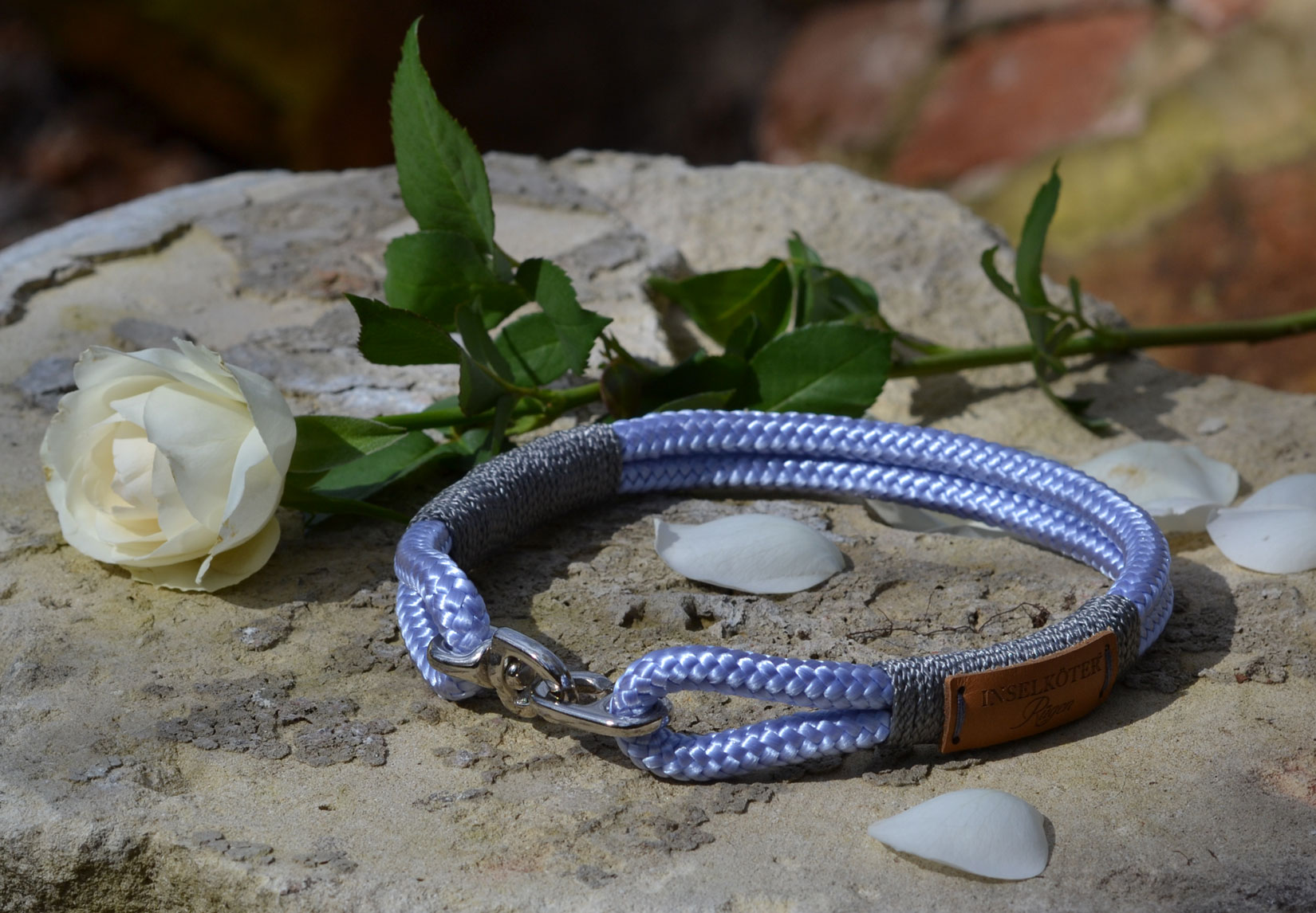 Halsband aus Tauwerk in lavendel. Ostseeinsel Ruegen