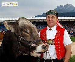 Schwingerkönig Jörg Abderhalden betreibt sein Hobby halb professionell. Er muss dafür Steuern zahlen.
