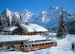 Von 77 Prozent Bergbahn Lauterbrunnen Mürren gehört der Jungfraubahn Holding.