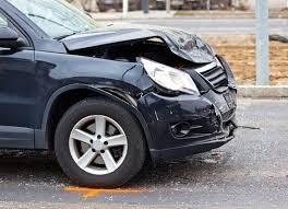 Reparatur nach einem Blechschaden: Kann mir die Versicherung vorschreiben, bei welcher Garage ich den Schaden beheben lasse?