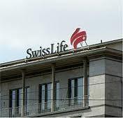 Swiss Life liegt Im Jahresvergleich an der Spitze; im Zehnjahresvergleich am Schluss der Rangliste .