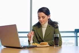 Gegen Hacker versichert, damit man den Lunch geruhsam herunterwürgen kann?