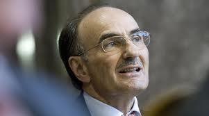 FDP-Ständerat Felix Gutzwiller stimmte im Interesse der Pharmalobby.