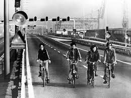 Im November 1973 verordnete Deutschland Sonntagsverbote.