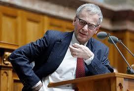Der Solothurner FDP-Nationalrat Kurt Flury vertritt die Interessen der Ascoop.