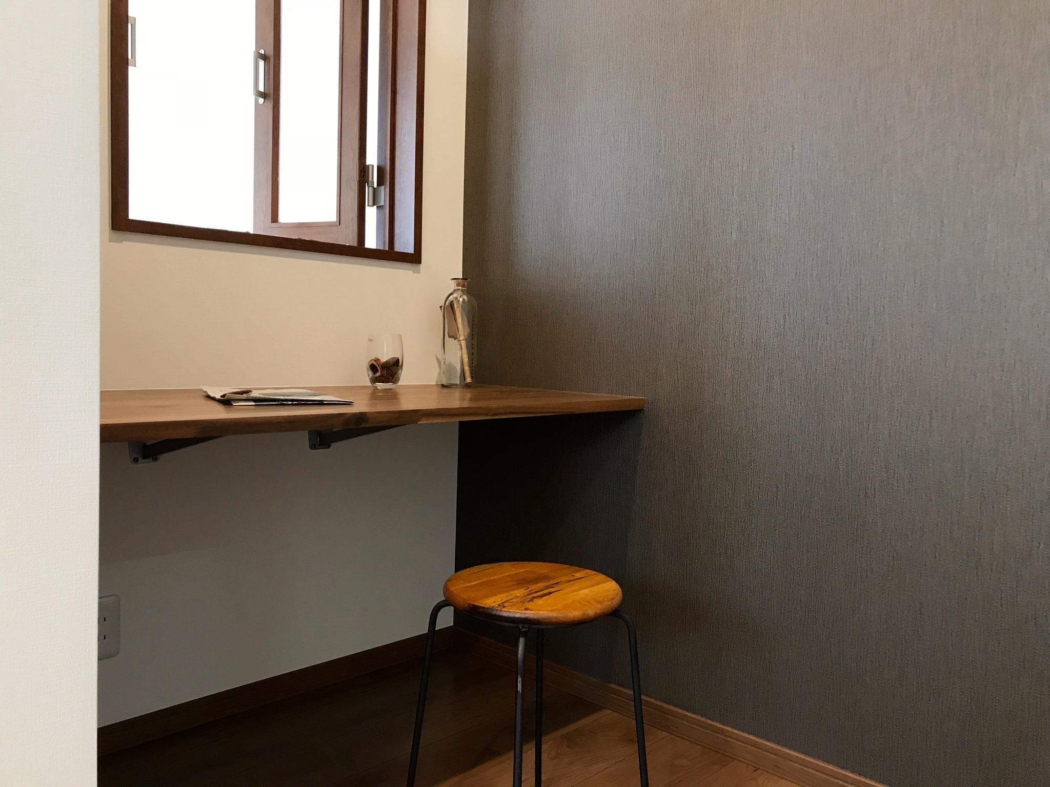 主寝室の書斎  吹き抜け部分なので1階との繋がりがあります