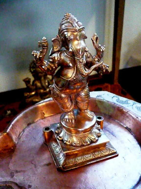 Ganesha pronto para o banho!