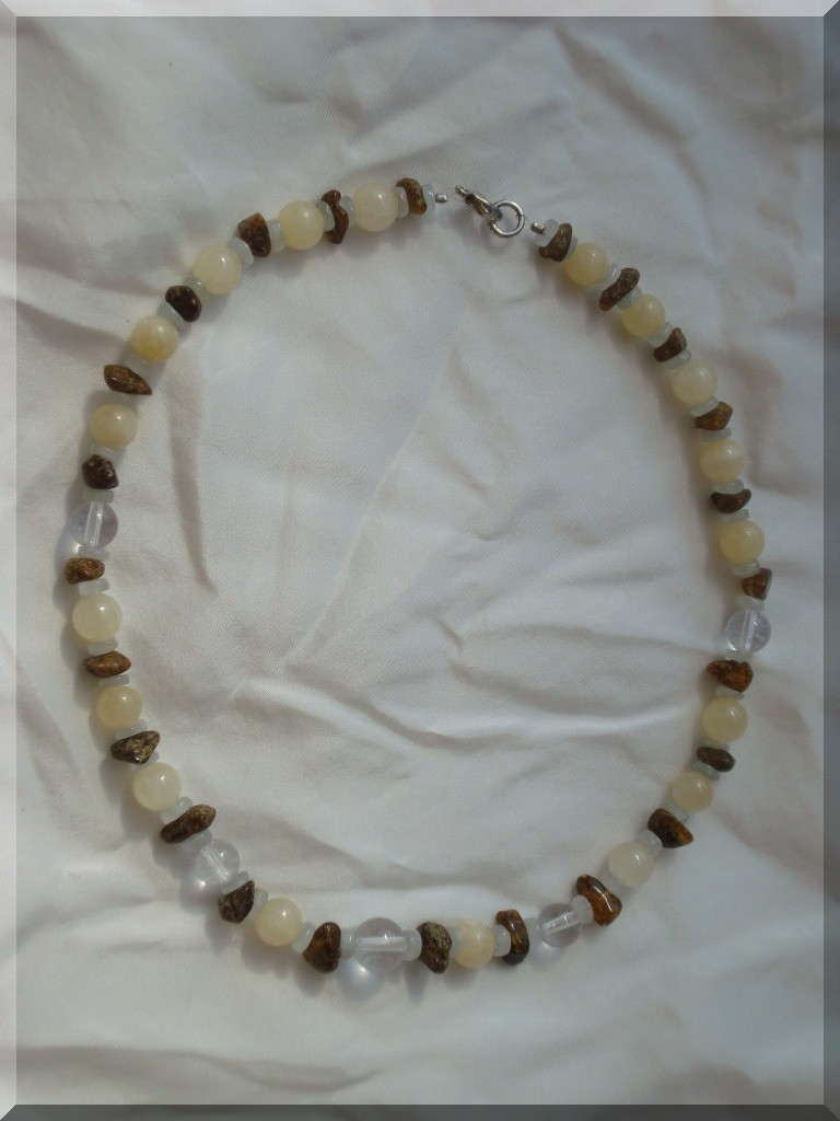 Edelstein Halskette. Bernstein, Calcit, Aquamarin und Bergkristall - Perlen.