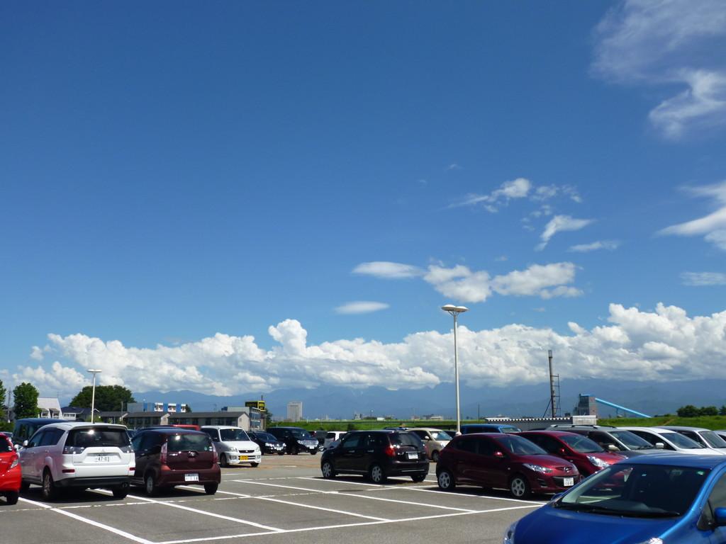立山連峰は雲の中でした。