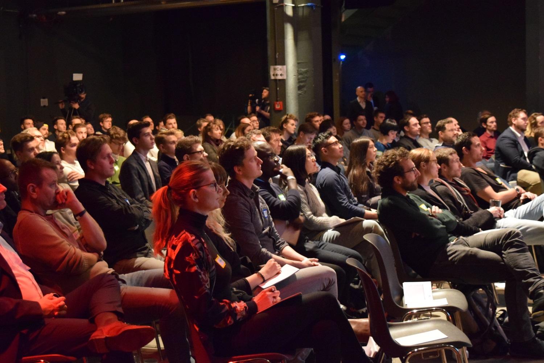 Ein aufmerksames Publikum auf dem 2b AHEAD Draper Bootcamp