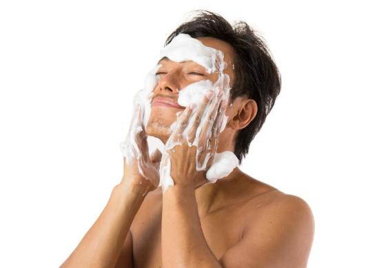ノンエー洗顔はメンズニキビの肌に合うの?
