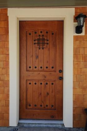 【 玄関ドア 】アンティーク調 アイアン格子 小窓付き 輸入木製玄関ドア  運賃税込
