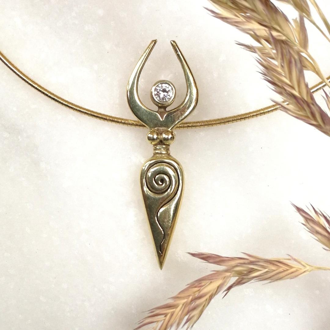 Spiralgöttin Gold mit Diamant