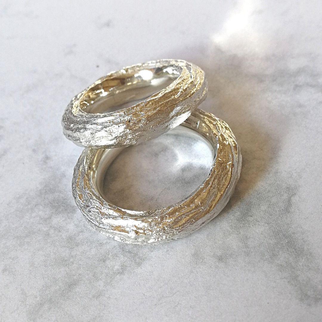Ring Süssholz-Struktur Silber breit
