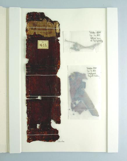 Fragementmontage Der originale Rücken konnte aufgrund seiner Versprödung nicht wiederverwendet werden