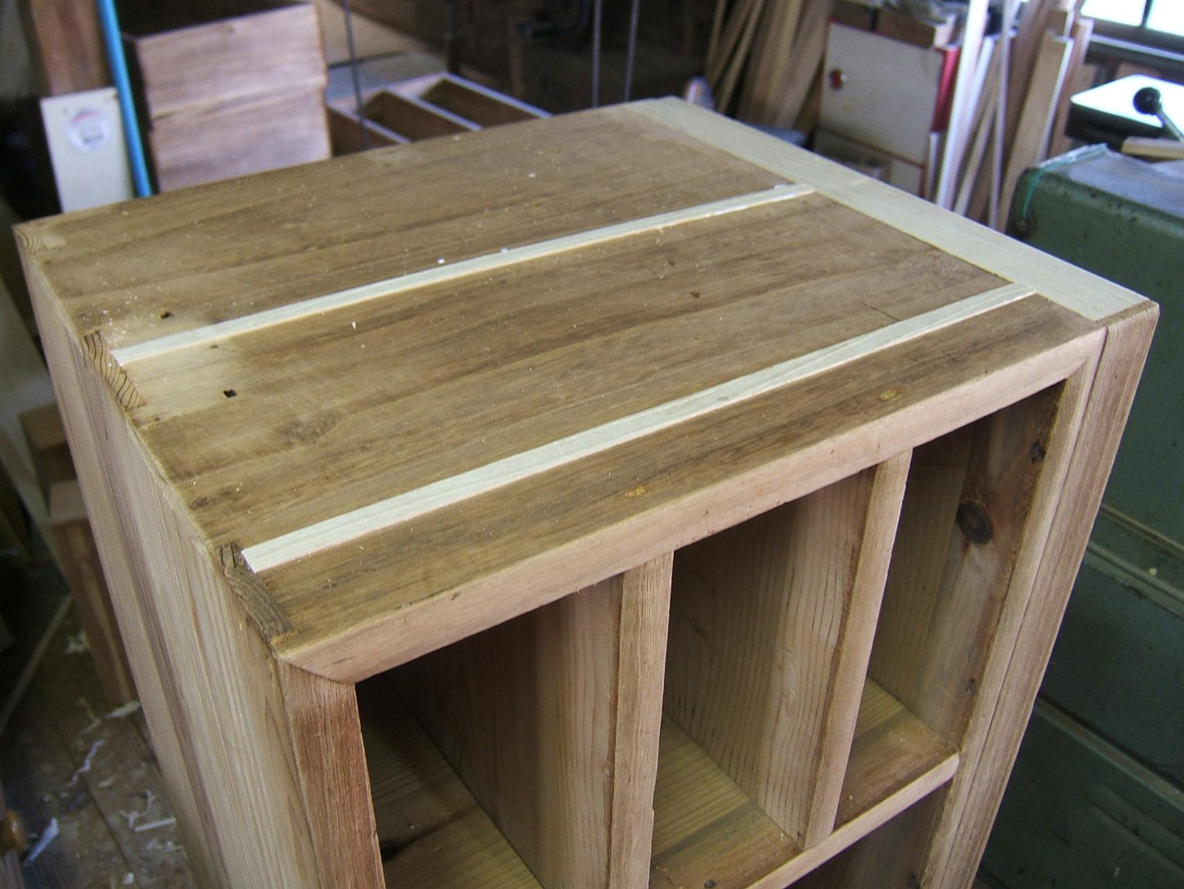 桐箪笥の桐板埋め込み修理