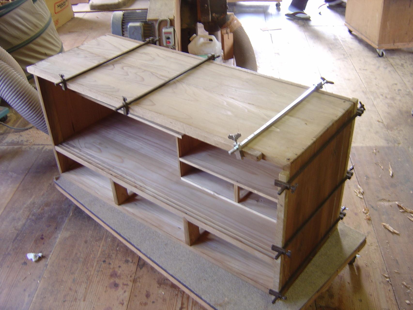 桐箪笥の天板割れ密着修理