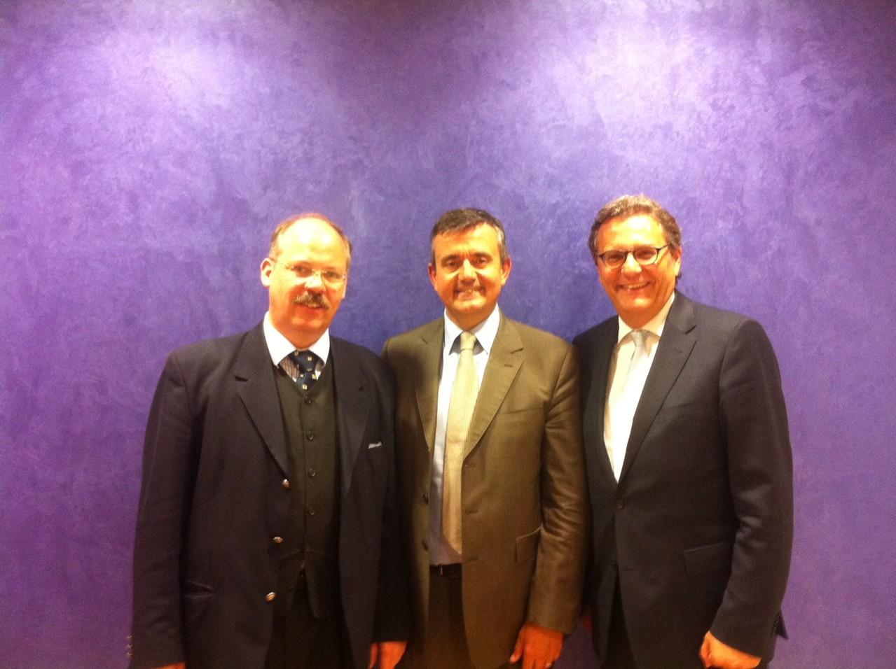 Paris, mit Henry C. Reese und Yves Jego