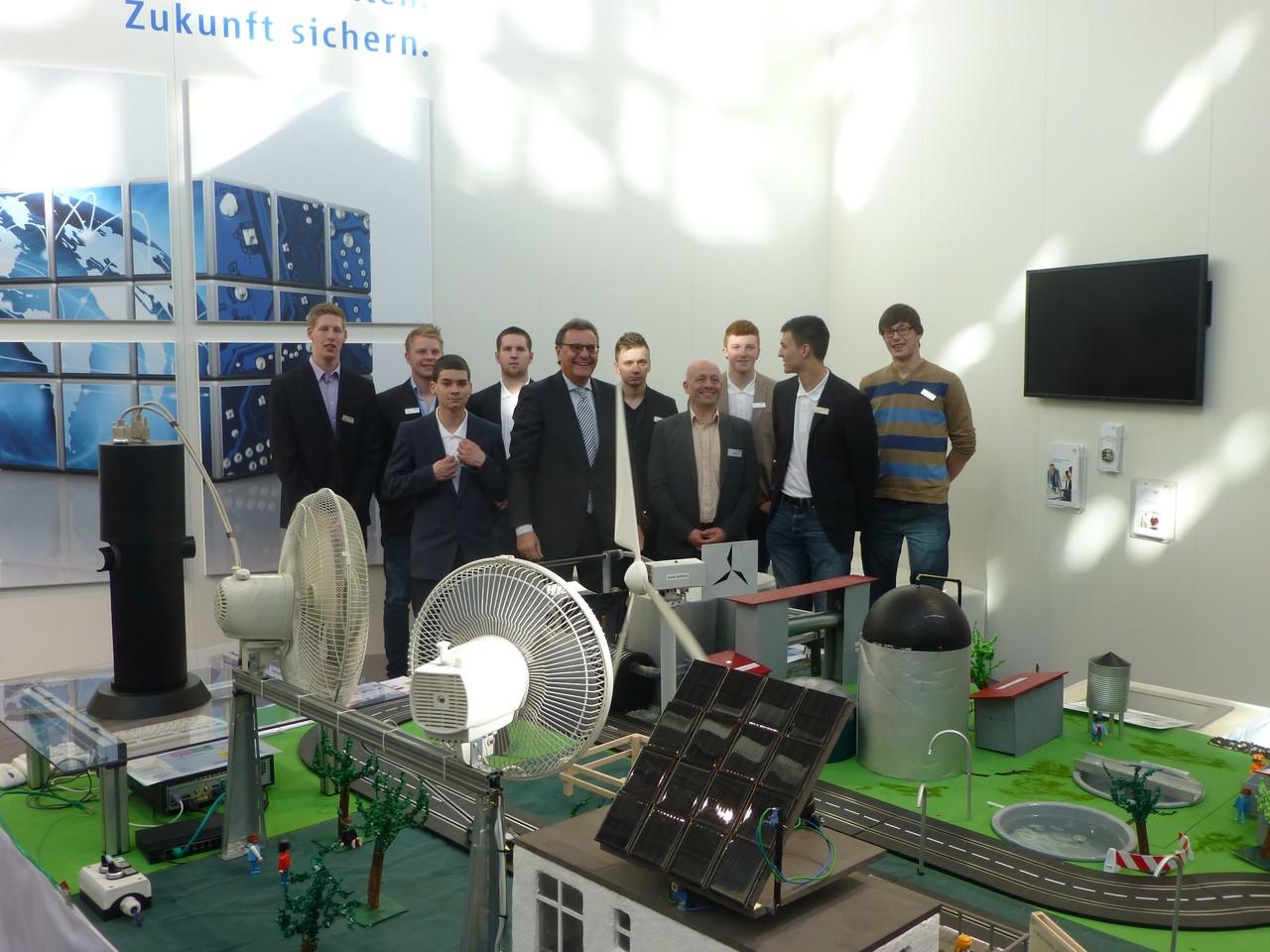 CeBIT 2013: Projekt der David-Roentgen-Schule aus Neuwied auf dem Stand des ZVEI