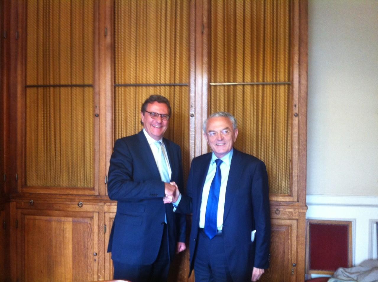 Paris, mit Senator Jean Arthui