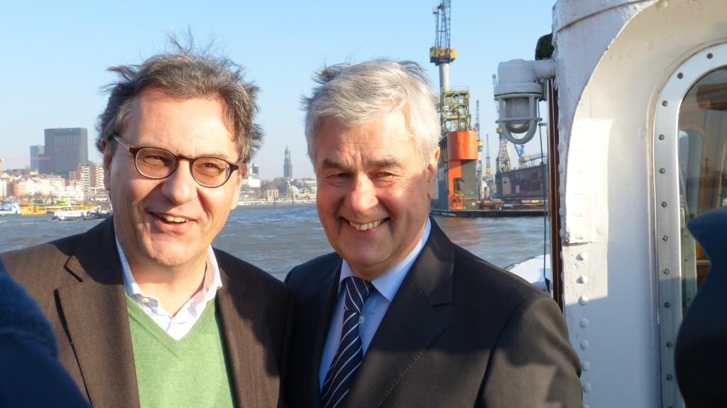 Der Koordinator der Bundesregierung für die Maritime Wirtschaft, Hans-Joachim Otto, und der Hamburger Senator für Wirtschaft, Verkehr und Innovation, Frank Horch