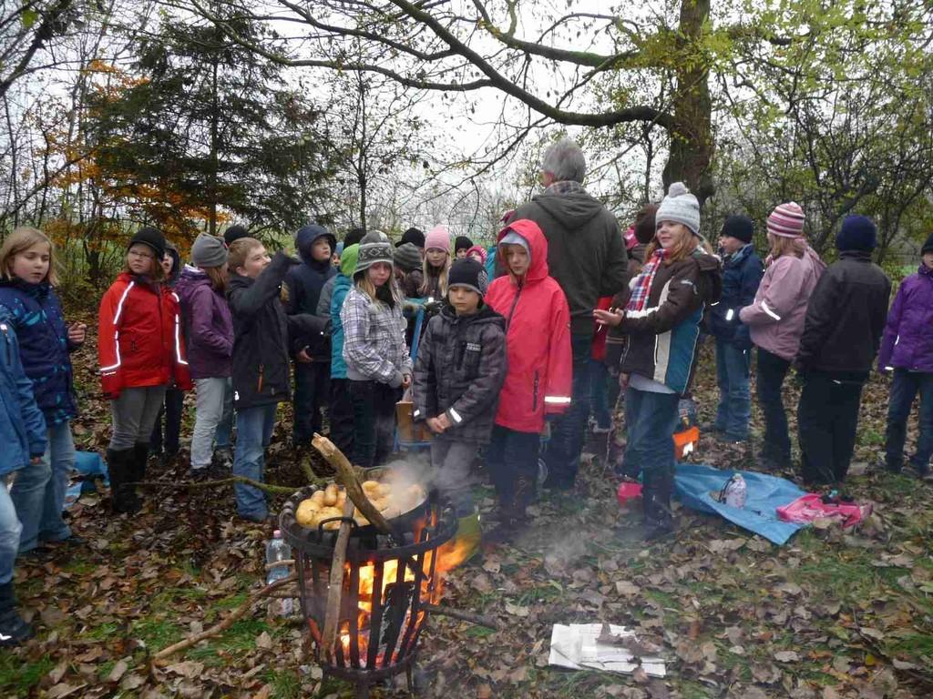 Wanderung durch Neuenkirchen mit Kartoffelpicknick
