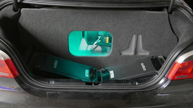 Subwoofer Bandpass Gehäuse BMW Skisack
