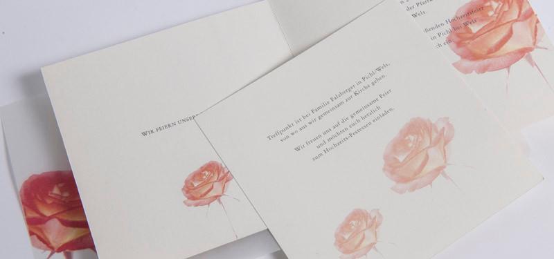 Diese Hochzeit war eine Trachtenhochzeit und die Einladung wurde auf Naturpapier gedruckt.
