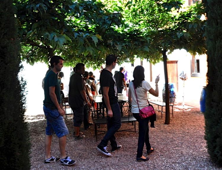 Внутренний дворик бодеги