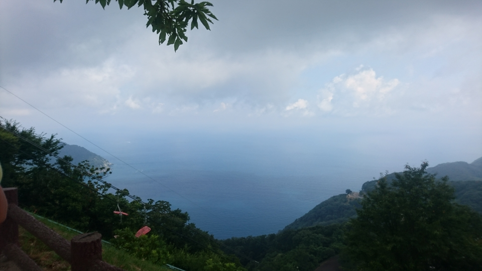 レインボーラインから見える日本海