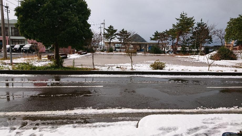 雪の世久見