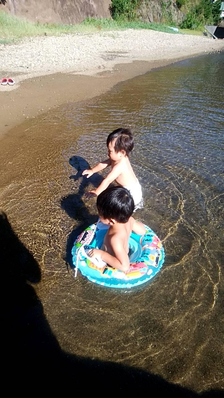 長男&次男 今年初海水浴
