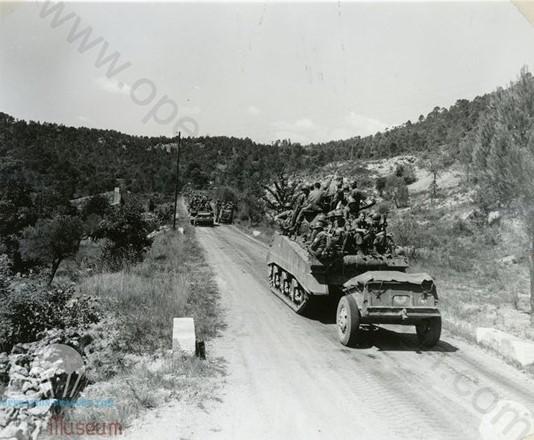 18 Août 1944, Les Alliés sont aux portes du haut Var, ici les troupes américaines de la 45em division d'infanterie débarquée à Ste Maxime viennent de passer Salernes et se dirigent vers Sillans et Aups.