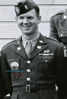 887th airborne engineer company 1st lieutnant John B. ADAMS