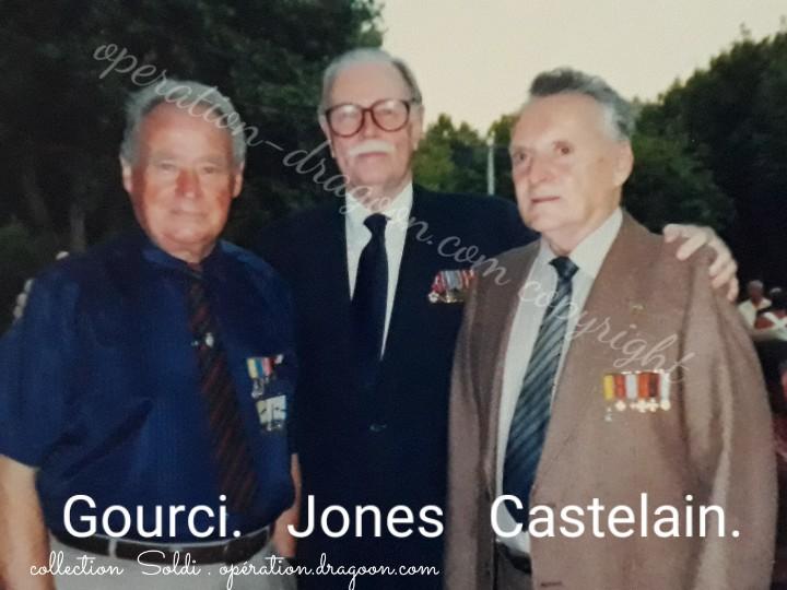 Les retrouvailles .. 50 ans après la mission. Photo prise aux Arcs sur Argens. (Soldi JM)