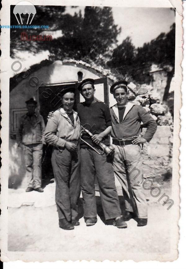 1er BMCA, Mars 1942. Marceau est l'homme de droite