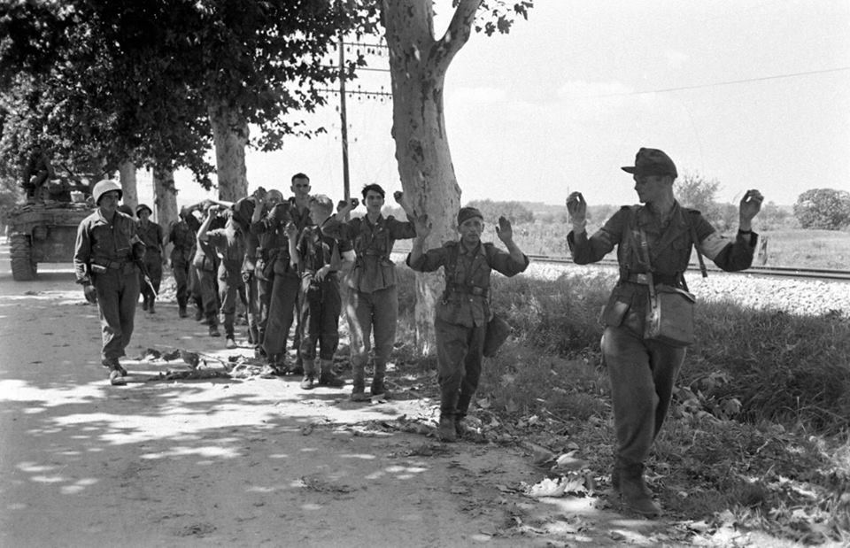 German prisonners in Brignoles, liberated by the 3rd US Infantry Division (source:Nara)